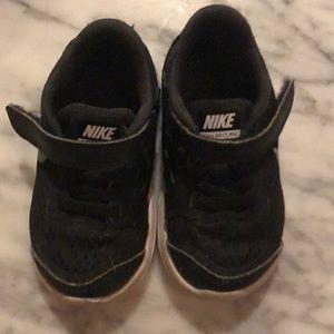 Size 6 toddler Nike